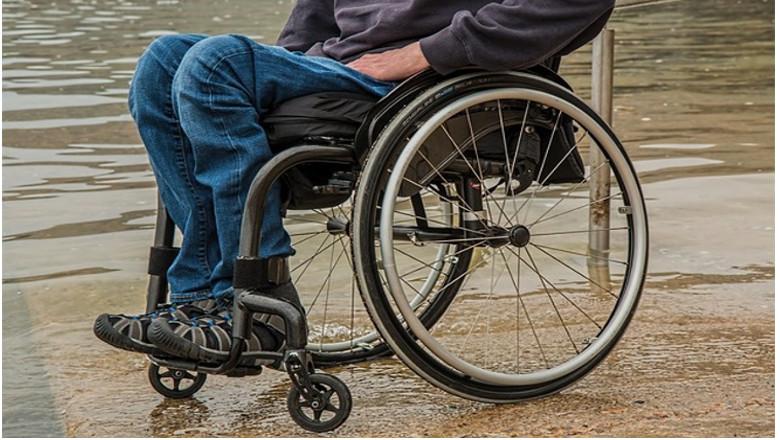2- wheelchair-1595794_640 (002)