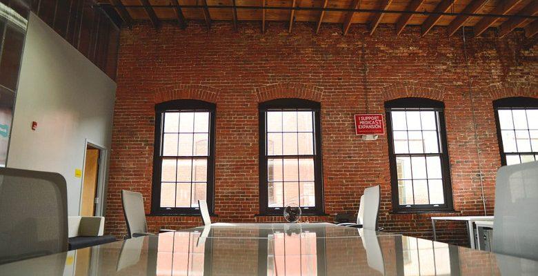 Evènements d'entreprise : pourquoi les professionnels louent des salles dans des restaurants ?