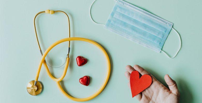 Est-il obligatoire d'avoir un défibrillateur en entreprise ?